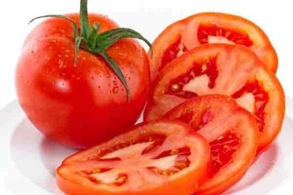 Cà chua trị táo bón hiệu quả